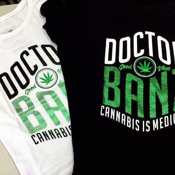 T-Shirt-Medicine-Branca-e-Preta