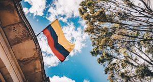 Dr Banz - Suprema Corte da Colômbia declara legalizado o consumo de maconha em lugares públicos